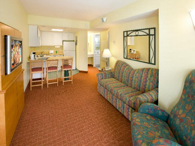 Holiday inn resort orlando suites waterpark orlando hotels undercover tourist for Orlando 2 bedroom suite hotels